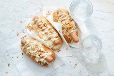 Geloof ons: van deze vegan hotdog word je hondsdol, zo lekker dat-ie is! Hot Dogs, Recipes, Food, Eten, Recipies, Ripped Recipes, Recipe, Meals, Cooking Recipes