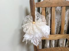 Hankie Angel made from Mama The Great's old lace hankies.