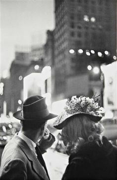 Louis Faurer - New York, 1940's. S)