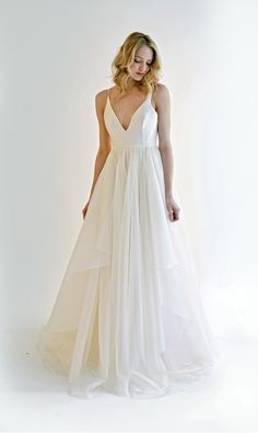 Unique Bridal Gowns and Wedding Dresses — Leanne Marshall Stunning Wedding Dresses, Princess Wedding Dresses, Wedding Dress Styles, Lovely Dresses, Bridal Gowns, Wedding Gowns, Leanne Marshall, For Elise, Sheath Wedding Gown