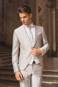 impero  uomo  abito  elegante  wedding  dress  mariage  matrimonio  man   elegant  abiti  sera  ceremony  suit  groom  sposo  silver  white  bianco   argento ... a8f8721accc