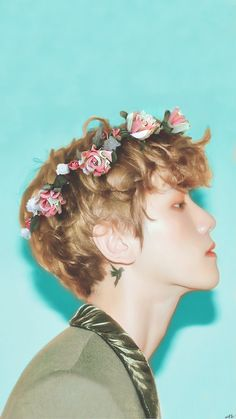 Baekhyun et des fleurs X)) Just got better Luhan, Park Chanyeol, Kris Wu, Exo Ot12, Chanbaek, Baekhyun Photoshoot, Taemin, K Wallpaper, Culture Pop