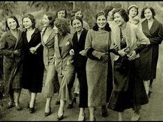 Atatürk Ve Kadın- 5 Aralık 1935 Türk Kadının Seçme Ve Seçilme Hakkına Kavuşması -kadina verdigi  önöm