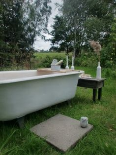 One day I will have an outside bathtub. I know just the place...