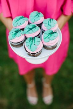 Aloha themed bridal shower cupcakes / http://www.deerpearlflowers.com/tropical-bridal-shower-ideas/