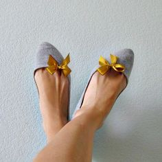 Mini Bow Shoe Clips - Mustard Yellow Grosgrain Ribbon... adorable!