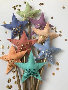 Magic Wand Star Wand Fairy Wand Princess Wand Wands Fairy Wand Photography Props Photo Props Disney Princess Birthday Party Ideas by pamelarue Christmas Ornament Crafts, Felt Ornaments, Christmas Crafts, Ornaments Ideas, Felt Crafts, Fabric Crafts, Diy Crafts, Diy For Kids, Crafts For Kids