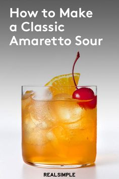 How to make an Amaretto sour with just five ingredients and a cocktail shaker. With this Amaretto sour recipe, you'll whip up the cocktail like a Amaretto Drinks, Amaretto Sour, Amaretto Stone Sour Recipe, Disaronno Cocktails, Whisky Sour Recipe, Vanilla Vodka Drinks, Bourbon Drinks, Whiskey Cocktails, Martinis