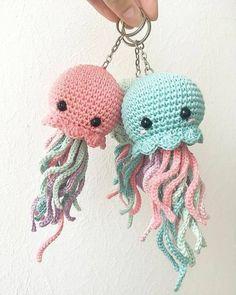 Amigurumi do Zero Crochet Animal Patterns, Crochet Patterns Amigurumi, Crochet Animals, Crochet Dolls, Crochet Kawaii, Cute Crochet, Beautiful Crochet, Crocheted Jellyfish, Crochet Octopus