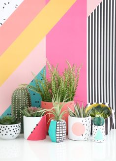 A Memphis design-inspired shopping guide, because guess who's back, baby? 17 tem… A Memphis design-inspired shopping guide, because guess who's Memphis Design, Cement Planters, Diy Planters, Conception Memphis, Painted Plant Pots, Pottery Painting, Geometric Patterns, Geometric Shapes, Decor Interior Design