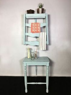DIY Chair Turned Shelf Step by step Photo and Videotutorial - Schritt für Schritt Bild und Videoanleitung<br> Have on old chair you don't want anymore? Before tossing it out you might want to consider repurposing it into a shelf! Old Chairs, Antique Chairs, Dining Chairs, Lounge Chairs, Old Wooden Chairs, Tire Chairs, Kitchen Chairs, Beach Chairs, Kitchen Decor