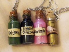 HP potions: Polyjuice, Draught of Living Death, Amortentia and Felix Felicis Harry Potter Diy, Harry Potter Merchandise, Harry Potter Halloween, Harry Potter Universal, Harry Potter World, Magic Bottles, Glass Bottles With Corks, Glass Vials, Coraline