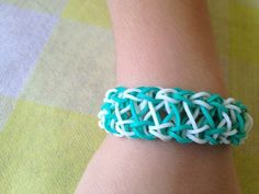 Rainbow loom bracelet. Aqua and white. X marks por tashisbracelets, $2.50