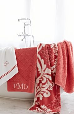 Made of the same luxurious and lofty Turkish cotton as our solid Resort Towels, our Quilted Towels are a woven with an elegant diamond pattern.