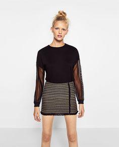Image 1 de T-SHIRT XL EN MATIÈRES ASSORTIES DE TULLE de Zara