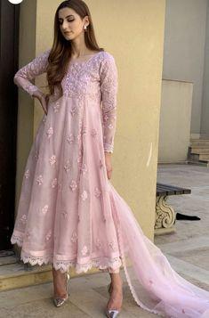 Pakistani Fashion Casual, Pakistani Dress Design, Pakistani Outfits, Indian Outfits, Indian Fashion, Dress Indian Style, Indian Dresses, Indian Wear, Indian Designer Outfits