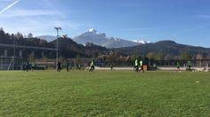 Volle Konzentration aufs Spiel gegen Wiener Neustadt am kommenden Freitag! Übrigens in voller Länge auf Sky Sport Austria und ORF Sport+ ab 20:30 Uhr! ☀️❄️⚽️