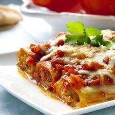 Cannelloni bolognaise : Cannelloni bolognaise, un classique de la cuisine italienne, des pâtes avec une sauce tomate à base de viande hachée. - Recettes de cuisine de A à Z