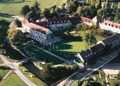 Golf de Saint Nom La Breteche - Parcours Bleu - Paris Region - France | GOLFBOO.com Club, Paris, Aerial View, Saint, Golf Courses, Mansions, House Styles, Outdoor Decor, Pictures