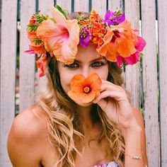 Bright and colorful flower crown Tropical Party, Floral Crown, Tropical Flowers, Summer Colors, Flower Power, Beautiful Flowers, Marie, Wedding Hairstyles, Destination Wedding