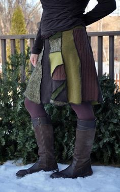 No link but this is the style shown at Art in the Park. Made with a serger, 50 inches at the waist for a truly one-size fit. Altered Couture, Recycled Sweaters, Wool Sweaters, Diy Clothing, Sewing Clothes, Diy Kleidung, Recycled Fashion, Altering Clothes, Sweater Skirt