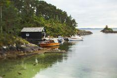 Docked Boats in Bergen Norway | photography by http://www.julia-wade.com