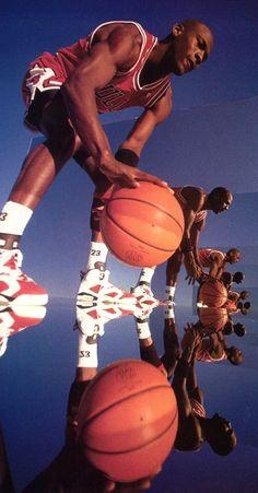 Bedroom Wall Collage, Photo Wall Collage, Picture Wall, Ar Jordan, Michael Jordan Basketball, Arte Michael Jordan, Images Esthétiques, Arte Do Hip Hop, Michael Jordan Pictures