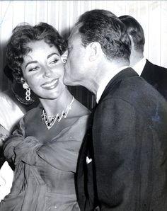 Cartier - Parure - Collier, Pendants d'oreilles et Bracelet - Platine et Or - Diamants, Rubis - Paris - 1951 - Transformé en 1953 - Elizabeth Taylor