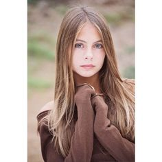 Willa Holland ❤ liked on Polyvore featuring willa holland, people, models, hair and pictures