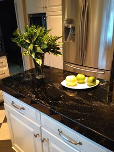 Find granite dining tables for sale uk only on this page - granite countertops Black Granite Kitchen, Granite Countertops Colors, Black Countertops, Kitchen Countertops, Kitchen Cabinets, Granite Dining Table, Diy Dining Table, Dining Table Design, A Table