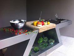 meuble kitchenette inox avec planche à découper, friteuse plaques et rangement