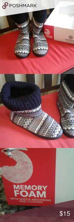 Isotoner Warm Women's slippers Cute warm memory foam with shock absorbing heel cushion Isotoner slippers. Size: medium 7.5-8 Isotoner Shoes Slippers