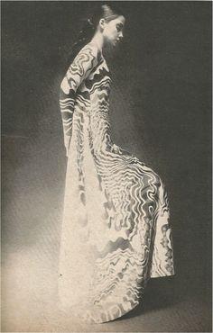 devodotcom: Mainbocher wool serpertine dinner dress Top Fashion Magazines, Bon Iver, Nureyev, 1 Peter, 1 John, Kate Moss, The Past, Vintage Fashion, 1960s