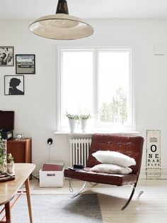 Beautiful home with vintage furniture - via Coco Lapine Design