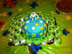 Buzz Light Year Cake and Alien Cupcakes