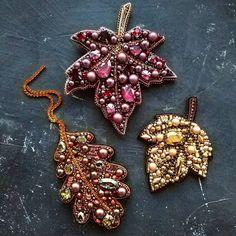 Canadian maple leaf jewelry / Maple leaf brooch / Leaf brooch / Swarovski brooch / Brooch pin / Beaded brooch - Best DIY and Crafts 2019 Leaf Jewelry, Jewelry Tree, Diy Jewelry, Beaded Jewelry, Jewelry Making, Jewelry Findings, Making Bracelets, Fashion Jewelry, Beaded Bead