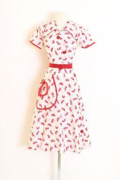 Vintage 1940s 40s Dress novelty print dogs red button belt | Etsy Rockabilly Clothing, Rockabilly Outfits, Vintage Clothing, Vintage Outfits, Pin Up Princess, 1940s Dresses, Red Button, 1940s Fashion, Wiggle Dress