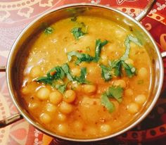 Goan Chonya Ross / Goan Chickpeas Curry vegetarian dish of Goa with main ingredients such as Chickpeas, onion,tomato with fine blend of exotic Indian spices. Indian Veg Recipes, Goan Recipes, Gujarati Recipes, Chickpea Recipes, Curry Recipes, Vegetarian Recipes, Vegetarian Dish, Healthy Recipes, Veg Curry