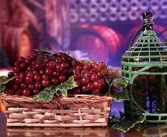 Mundo dos vinhos é reproduzido na festa de Além do Tempo.  Decoração escolhida para o lançamento da nova novela das 6 foi inspirada nos vinhedos da região Sul do Brasil, local onde se passa a trama ♥
