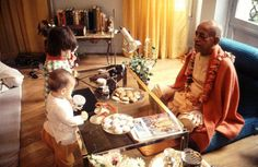Srila Prabhupada and lucky chidren. Krishna Radha, Hare Krishna, Srila Prabhupada, Religious Pictures, Spiritual Life, Nature Paintings, Lord, Magic, Graphics