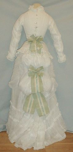 back of late 1870s summer white