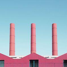 """GIORGIO STEFANONI – """"UNKNOWN GEOMETRIES"""" -     (...) Giorgio Stefanoni, fotógrafo y diseñador milanés, logra encontrar con su lente la mirada que nos hace falta para ver realmente las cosas que dejamos acumular detrás del simple vistazo cotidiano. Arquitecturas desconocidas no por extrañas, sino porque se han vuelto una con el paisaje y la rutina. ¡Redescúbrelas! -     #GiorgioStefanoni #architecture #urbanism #urbanexploration #urbanphotography #latitudes #creemosenelasombro"""