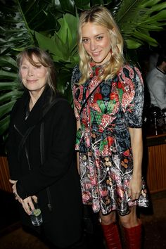 """chloesevignyonline: """" Chloë Sevigny with Sissy Spacek at the Bloodline New York Series Premiere on March More: Chloë Sevigny Online """" """"you can tell Chloe's so happy to be in Sissy's. Chloe Sevigny Style, Celebs, Celebrities, Girl Crushes, Style Icons, Celebrity Style, Autumn Fashion, Street Style, Actresses"""