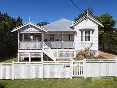 Love the fence on this Queenslander