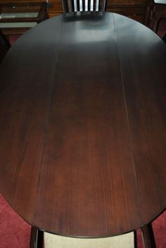 New Hickory Chair, Harvest Table, Oval, Drop Leaf, Dining Table Retail $2500