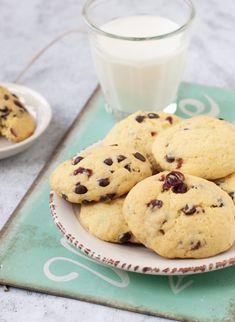 Narancsos-áfonyás keksz - csakapuffin.hu Naan, Biscuits, Sweets, Snacks, Cookies, Baking, Recipes, Food, Author