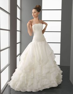 Strapless ball gown organza bridal gown