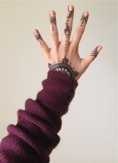 """To the left, to the left."""" -- Beyonce finger/hand tattoos tatsm gorgeous"""