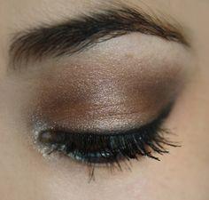 PASO A PASO : maquillaje de día y de noche http://www.machouette.blogspot.com/2013/08/adic-chanel.html