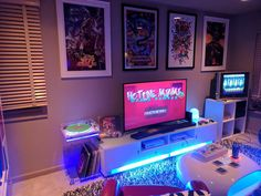 30 Best Play Room Design Ideas For Expert Gamers Solutions - Home office setup Gaming Desk Setup, Computer Setup, Nerd Room, Gamer Room, Pc Gamer, Playroom Design, Game Room Design, Video Game Rooms, Home Office Setup